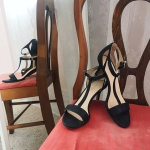 -Nine West- 💕kitten Sandals